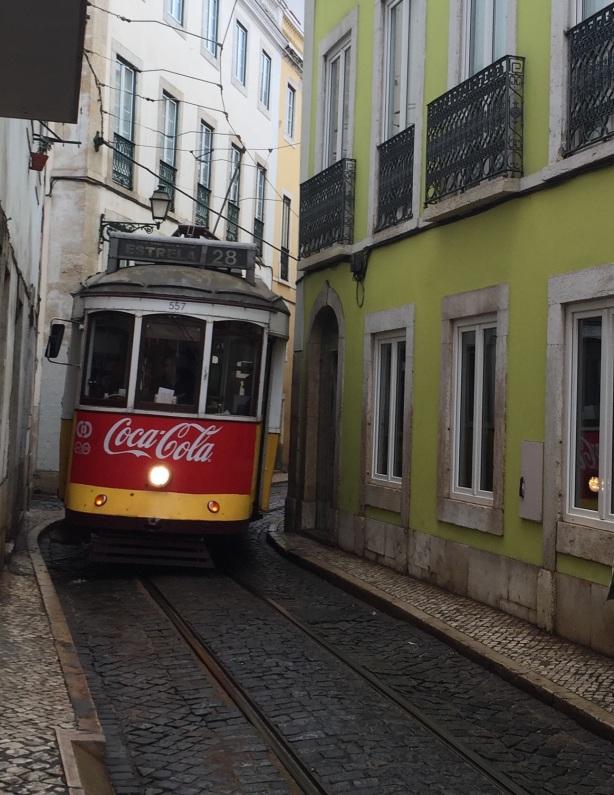 tram28